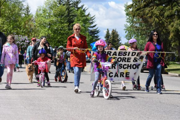 Braeside Shows its Community Spirit with Annual 'Kick Off to Summer' Parade!